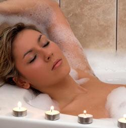 Ванна с эфирными маслами прекрасно помогает заснуть!